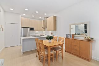 """Photo 10: 5413 LOUGHEED Highway in Burnaby: Parkcrest Townhouse for sale in """"SEASONS"""" (Burnaby North)  : MLS®# R2516986"""
