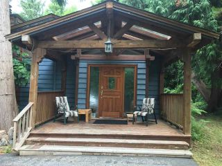 Photo 1: 1605 MISSION Road in Sechelt: Sechelt District House for sale (Sunshine Coast)  : MLS®# R2190903
