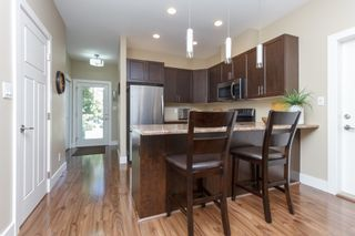 Photo 10: 10 1893 Prosser Rd in : CS Saanichton Row/Townhouse for sale (Central Saanich)  : MLS®# 789357