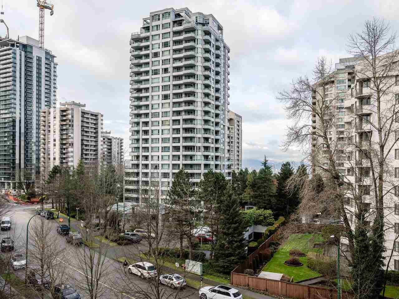 "Main Photo: 602 4888 HAZEL Street in Burnaby: Forest Glen BS Condo for sale in ""THE NEWMARK"" (Burnaby South)  : MLS®# R2575735"