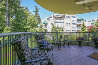 """Photo 10: 207 1725 MARTIN Drive in Surrey: Sunnyside Park Surrey Condo for sale in """"Southwynde by Bosa Construction"""" (South Surrey White Rock)  : MLS®# R2589196"""