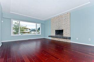 Photo 2: 3348 Napier Street in Vancouver: Home for sale : MLS®# V899569