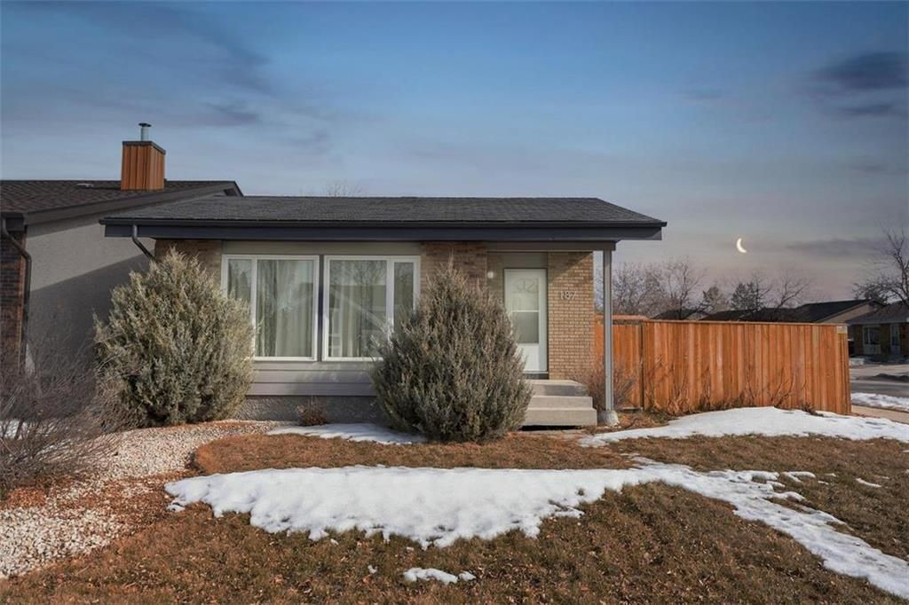 Main Photo: 187 Brixton Bay in Winnipeg: River Park South Residential for sale (2F)  : MLS®# 202104271