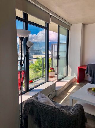 """Photo 8: 1406 108 W CORDOVA Street in Vancouver: Downtown VW Condo for sale in """"WOODWARDS W-32"""" (Vancouver West)  : MLS®# R2578411"""