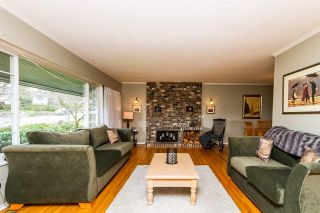 """Photo 4: 2105 CARMEN Place in Port Coquitlam: Mary Hill House for sale in """"MARY HILL"""" : MLS®# R2046927"""