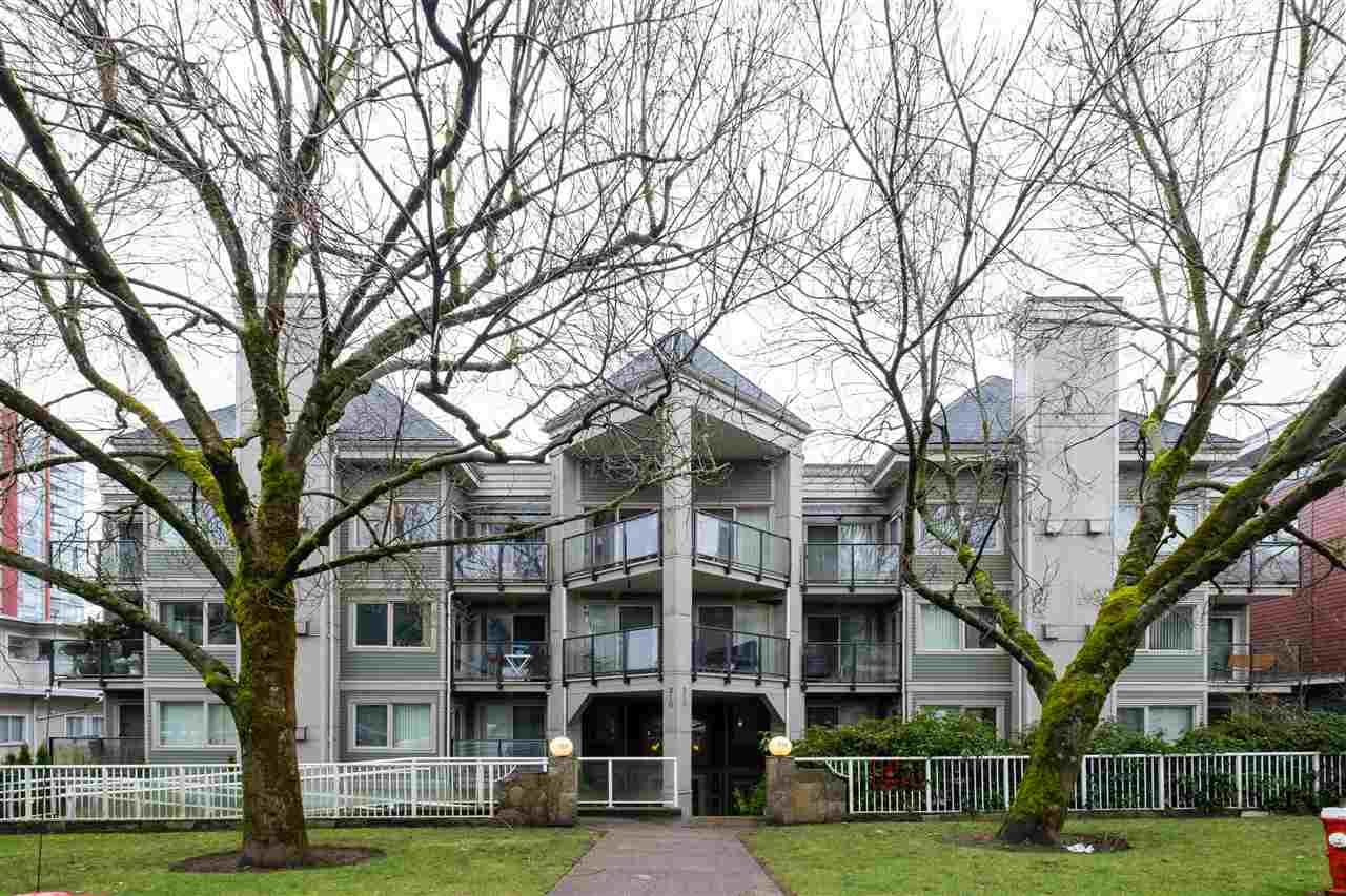 "Main Photo: 102 210 CARNARVON Street in New Westminster: Downtown NW Condo for sale in ""Hillside Heights"" : MLS®# R2562008"