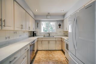 Photo 3: 8640 SUNBURY Place in Delta: Nordel House for sale (N. Delta)  : MLS®# R2446462