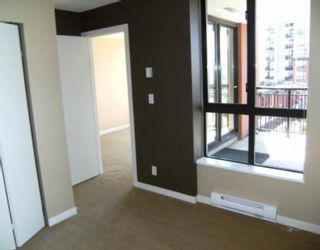"""Photo 5: 201 813 AGNES Street in New_Westminster: Downtown NW Condo for sale in """"The News"""" (New Westminster)  : MLS®# V764140"""