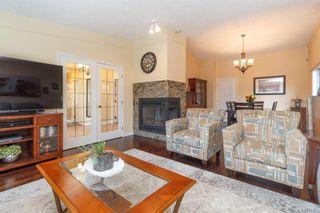 Photo 3: 828 Royal Wood Pl in Saanich: SE Broadmead House for sale (Saanich East)  : MLS®# 841703
