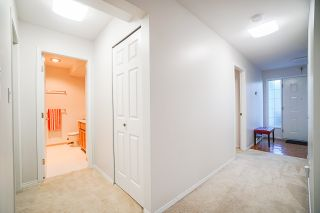 """Photo 15: 403 9119 154 Street in Surrey: Fleetwood Tynehead Townhouse for sale in """"LEXINGTON SQUARE"""" : MLS®# R2409703"""