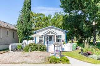 Photo 2: 703 14A Street SE in Calgary: Inglewood Detached for sale : MLS®# A1009543