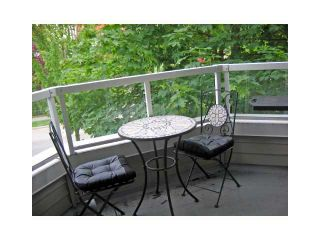 "Photo 9: 303 1481 E 4TH Avenue in Vancouver: Grandview VE Condo for sale in ""SCENIC VILLA"" (Vancouver East)  : MLS®# V833401"