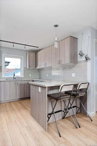 Photo 9: 3 1680 Ryan St in : Vi Oaklands Row/Townhouse for sale (Victoria)  : MLS®# 878328