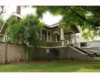 Photo 1: 924 10TH Street in New_Westminster: Moody Park House for sale (New Westminster)  : MLS®# V772548