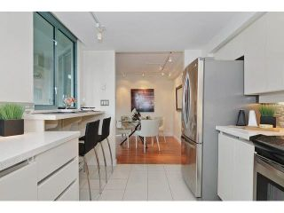 "Photo 8: 302 789 JERVIS Street in Vancouver: West End VW Condo for sale in ""Jervis Court"" (Vancouver West)  : MLS®# R2574360"