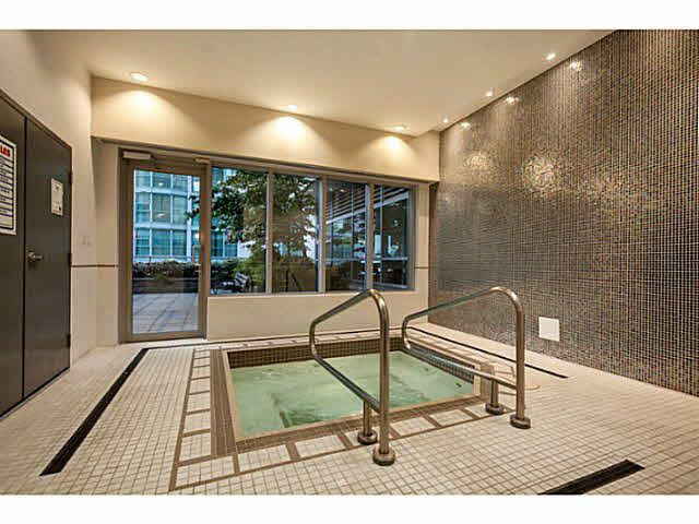"""Photo 16: Photos: 1808 821 CAMBIE Street in Vancouver: Downtown VW Condo for sale in """"RAFFLES ON ROBSON"""" (Vancouver West)  : MLS®# V1125986"""