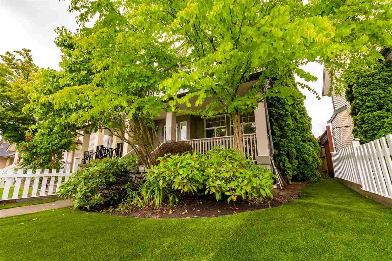 Main Photo: 6754 184 Street in Surrey: Clayton 1/2 Duplex for sale (Cloverdale)  : MLS®# R2592144