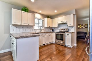 Photo 3: 9 10505 171 Street in Surrey: Fraser Heights Townhouse for sale (North Surrey)  : MLS®# r2058242