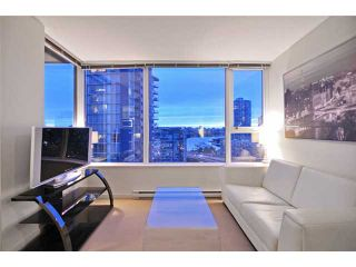 "Photo 1: 1905 33 SMITHE Street in Vancouver: Yaletown Condo for sale in ""Coopers Lookout"" (Vancouver West)  : MLS®# V954984"