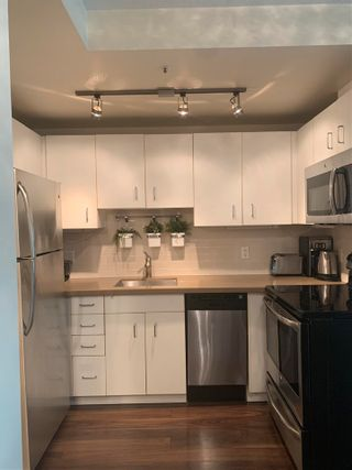 """Photo 24: 2408 555 JERVIS Street in Vancouver: Coal Harbour Condo for sale in """"HARBOURSIDE PARK"""" (Vancouver West)  : MLS®# R2576677"""
