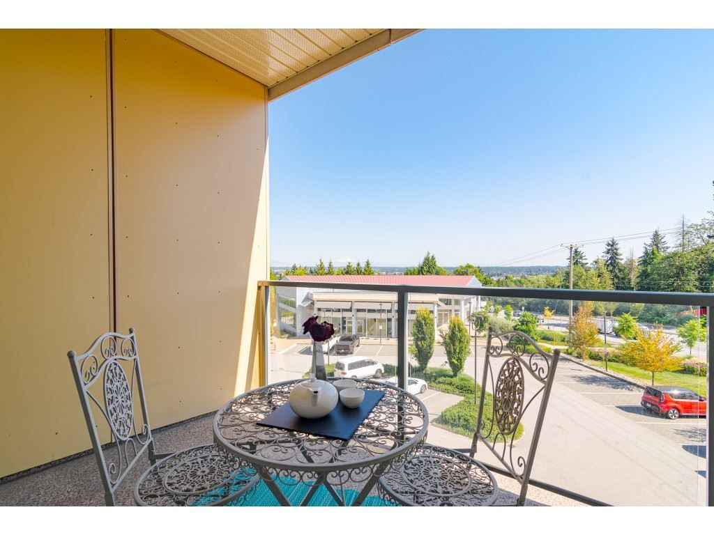 """Photo 17: Photos: 315 19228 64 Avenue in Surrey: Clayton Condo for sale in """"FOCAL POINT"""" (Cloverdale)  : MLS®# R2481765"""
