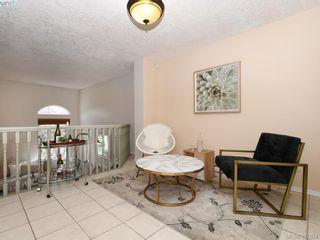 Photo 4: 3020 Washington Ave in VICTORIA: Vi Burnside Row/Townhouse for sale (Victoria)  : MLS®# 810102