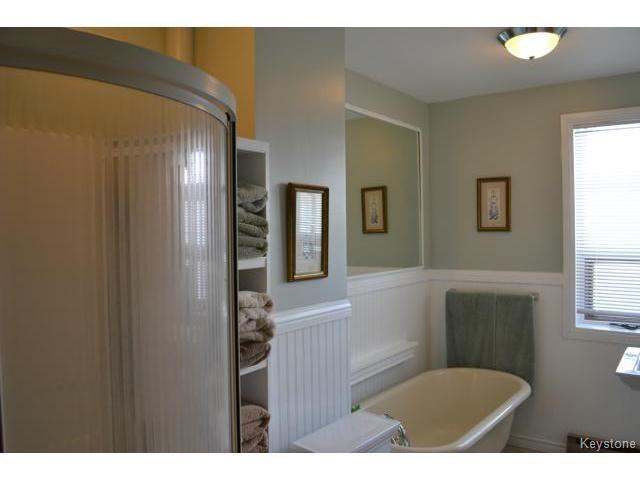 Photo 13: Photos: 1060 Grosvenor Avenue in WINNIPEG: Crescentwood Residential for sale (South Winnipeg)  : MLS®# 1403684