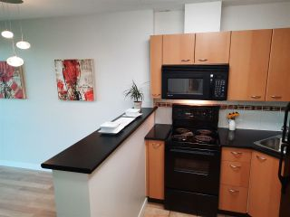 Photo 8: 1803 1331 ALBERNI STREET in Vancouver: West End VW Condo for sale (Vancouver West)  : MLS®# R2508802