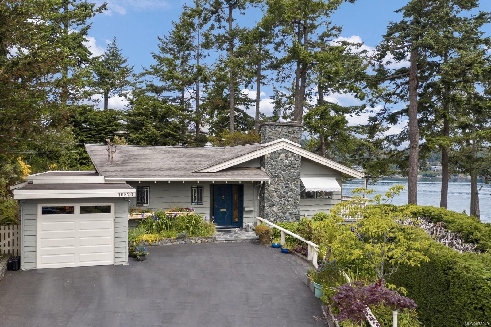 Main Photo: 10520 Lyme Grove in : Si Sidney North-East House for sale (Sidney)  : MLS®# 878019