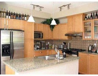 """Photo 4: 878 W 58TH AV in Vancouver: South Cambie Townhouse for sale in """"CHURCHILL GARDENS"""" (Vancouver West)  : MLS®# V542610"""