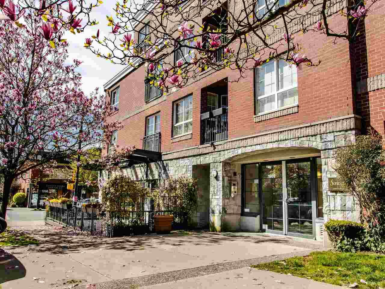 Main Photo: 306 1989 DUNBAR STREET in : Kitsilano Condo for sale : MLS®# R2450728