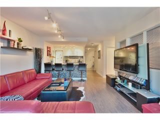 Photo 2: 905 788 HAMILTON Street in Vancouver: Downtown VW Condo for sale (Vancouver West)  : MLS®# V1043818