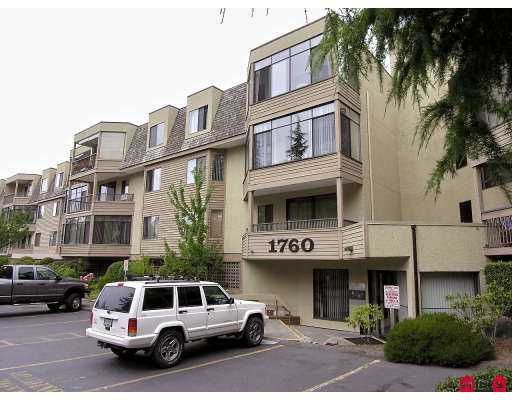 "Main Photo: 319 1760 SOUTHMERE CR in White Rock: Sunnyside Park Surrey Condo for sale in ""CAPSTAN WAY"" (South Surrey White Rock)  : MLS®# F2616571"