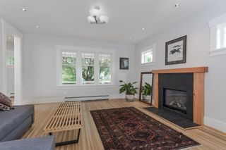 Photo 3: 1677 E 22ND Avenue in Vancouver: Victoria VE House for sale (Vancouver East)  : MLS®# R2147820