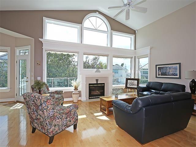 Photo 7: Photos: 315 MT DOUGLAS Court SE in Calgary: McKenzie Lake House for sale : MLS®# C4068873