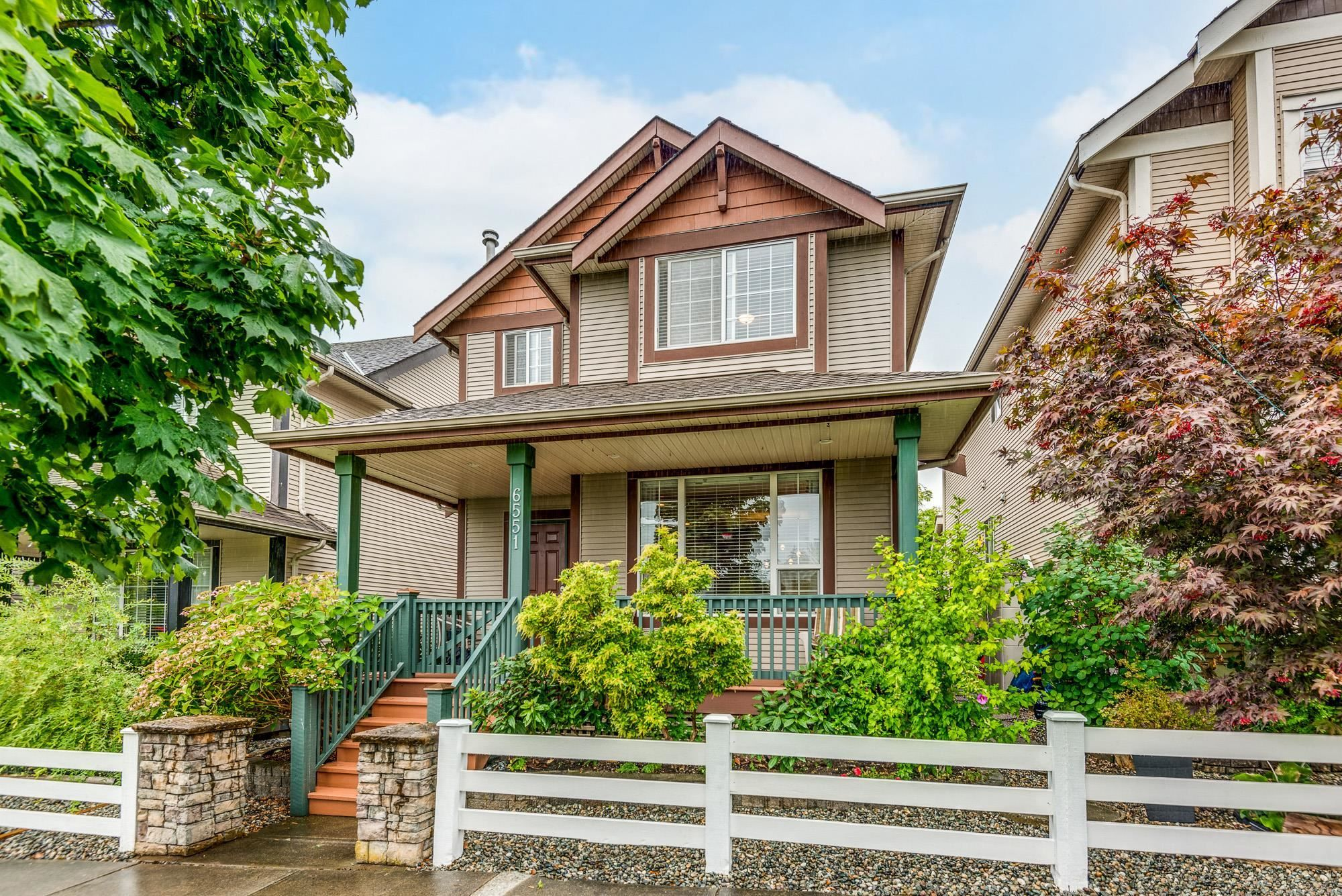 """Main Photo: 6551 193B Street in Surrey: Clayton House for sale in """"Copper Creek"""" (Cloverdale)  : MLS®# R2619191"""