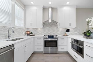 Main Photo: 32 Norford Common NW in Calgary: University District Row/Townhouse for sale : MLS®# A1129667