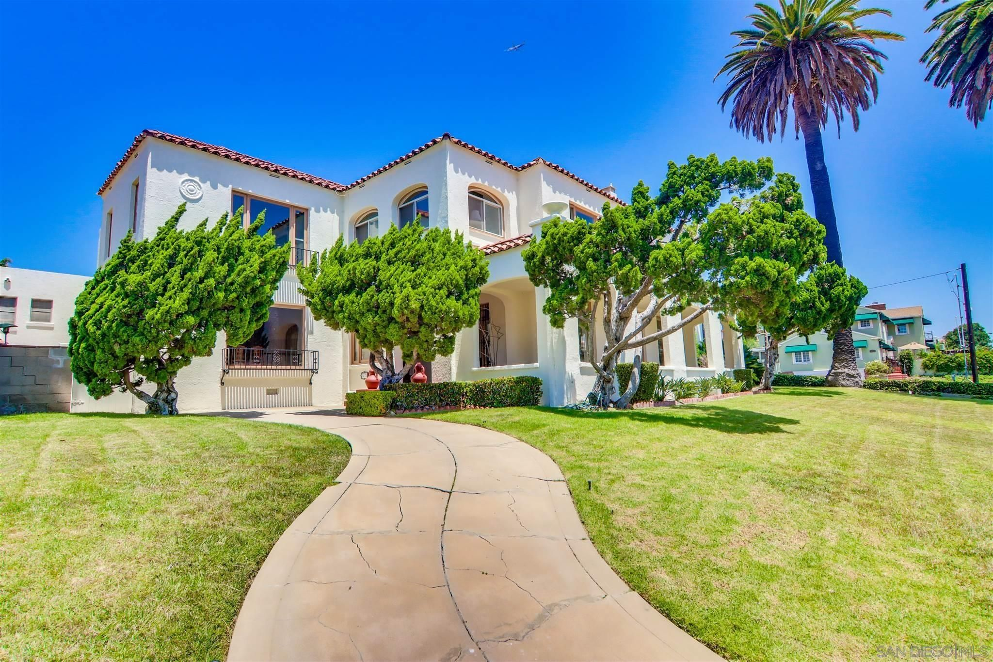 Main Photo: POINT LOMA House for sale : 5 bedrooms : 2478 Rosecrans St in San Diego