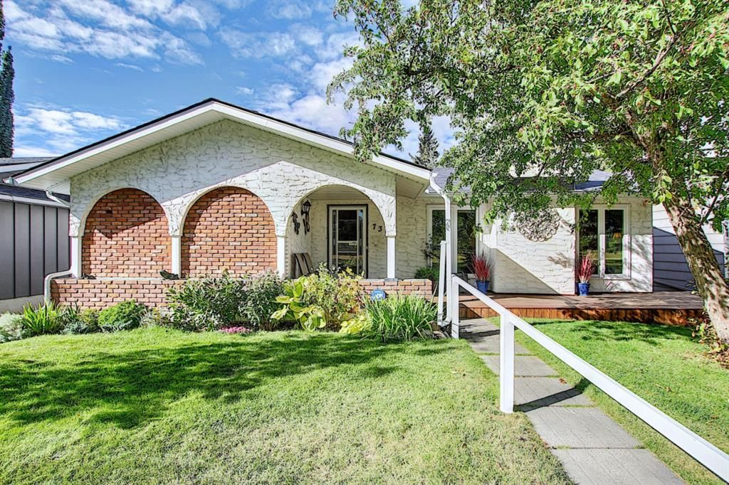 Main Photo: 736 WILLACY Drive SE in Calgary: Willow Park Detached for sale : MLS®# A1057135