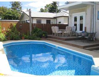 Photo 2: 505 KIMBERLY Avenue in WINNIPEG: East Kildonan Residential for sale (North East Winnipeg)  : MLS®# 2905439