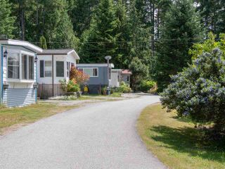 """Photo 19: 7 12248 SUNSHINE COAST Highway in Madeira Park: Pender Harbour Egmont Manufactured Home for sale in """"SEVEN ISLES"""" (Sunshine Coast)  : MLS®# R2604086"""