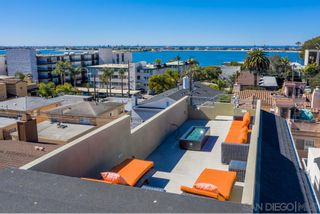 Photo 5: PACIFIC BEACH House for sale : 4 bedrooms : 3952 Haines St in San Diego