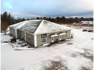 Photo 2: 9701 Commercial Street in New Minas: 404-Kings County Residential for sale (Annapolis Valley)  : MLS®# 202104669