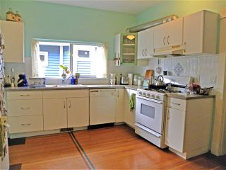 "Photo 6: 2838 - 2840 FRASER Street in Vancouver: Mount Pleasant VE House for sale in ""MT PLEASANT"" (Vancouver East)  : MLS®# R2487518"