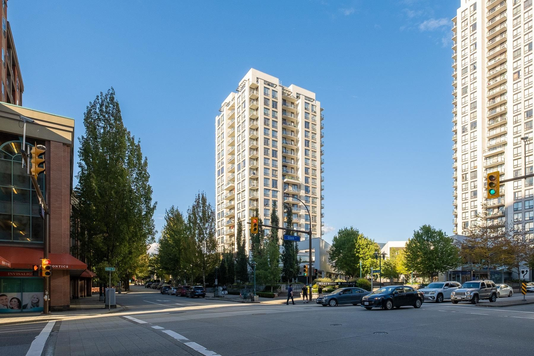 """Main Photo: 907 1185 THE HIGH Street in Coquitlam: North Coquitlam Condo for sale in """"THE CLAREMONT"""" : MLS®# R2615741"""