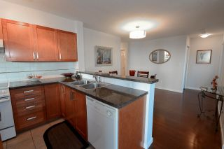 """Photo 8: 1701 4380 HALIFAX Street in Burnaby: Brentwood Park Condo for sale in """"BUCHANAN NORTH"""" (Burnaby North)  : MLS®# R2132955"""