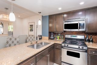 Photo 6: PARADISE HILLS Townhouse for sale : 3 bedrooms : 1934 Manzana Way in San Diego