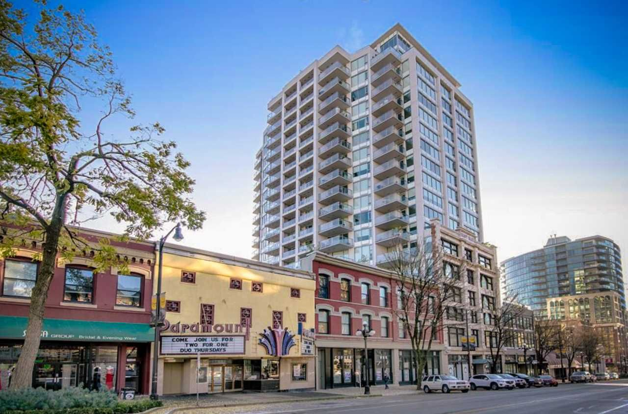 Main Photo: 1907 668 COLUMBIA Street in New Westminster: Quay Condo for sale : MLS®# R2327734