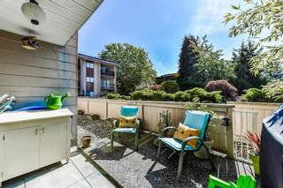 """Photo 15: 115 1442 BLACKWOOD Street: White Rock Condo for sale in """"Blackwood Manor"""" (South Surrey White Rock)  : MLS®# R2433629"""
