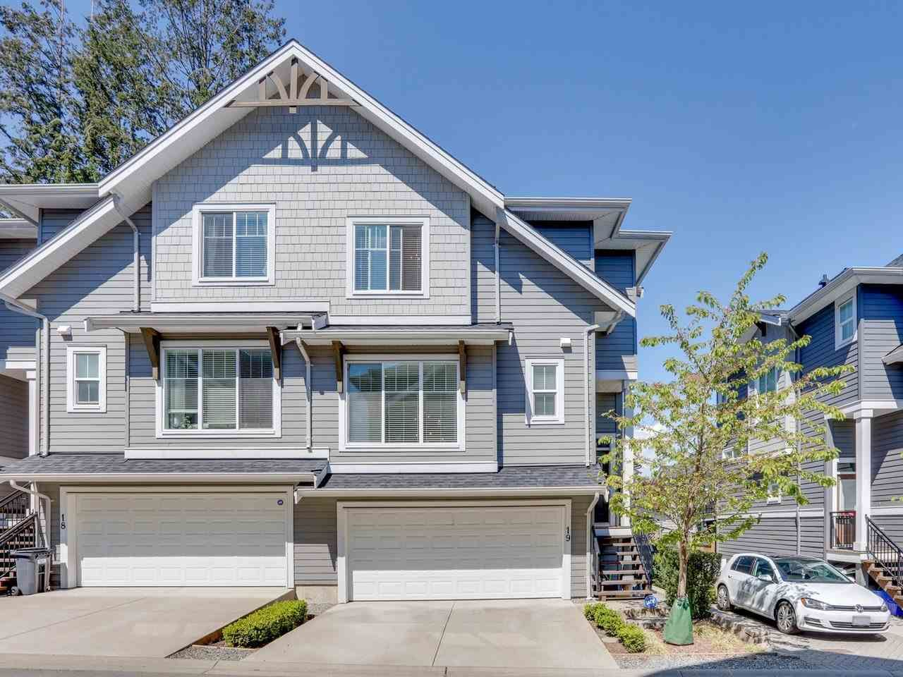 """Main Photo: 19 2855 158 Street in Surrey: Grandview Surrey Townhouse for sale in """"OLIVER"""" (South Surrey White Rock)  : MLS®# R2572225"""